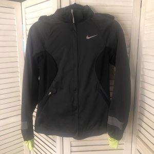 DRI fit Nike Runner coat🖤🖤🖤